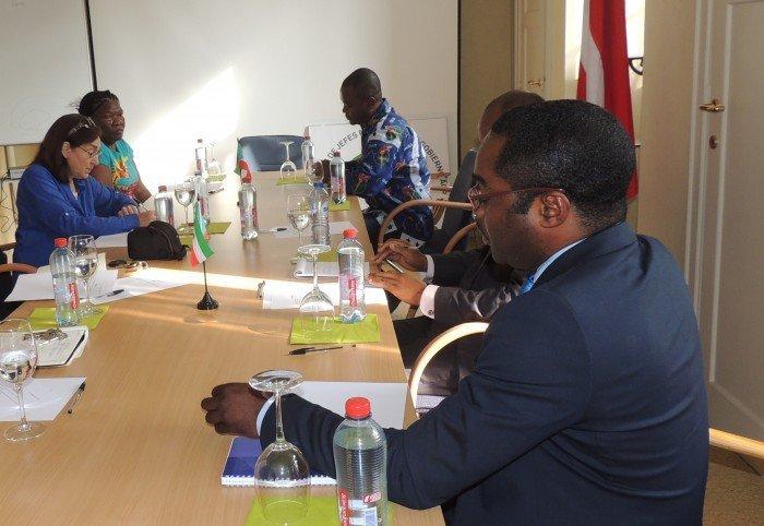 <!--:es-->Reunión de trabajo de la Embajada de Guinea Ecuatorial en Bruselas<!--:--><!--:en-->Working Session at the Embassy of Equatorial Guinea in Brussels<!--:--><!--:fr-->Session de travail de l'Ambassade de Guinée Equatoriale à Bruxelles<!--:-->