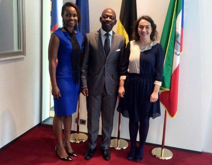 <!--:es-->El Embajador de Guinea Ecuatorial en Bruselas, cada vez más cerca de liderar la lucha contra el Ébola en Bruselas<!--:--><!--:en-->The Ambassador of Equatorial Guinea to Brussels Is Championing the Fight against Ebola in Brussels <!--:--><!--:fr-->L'Ambassadeur de Guinée Equatoriale à Bruxelles, bientôt chef de file dans la lutte contre l'Ebola à Bruxelles <!--:-->