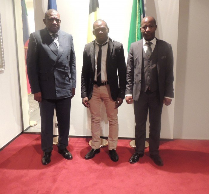 <!--:es-->Encuentro entre el Ministro de Comercio y el delegado de la colonia guineana en Bélgica<!--:--><!--:en-->The Trade Minister meets with the representative of the Equatoguinean community in Belgium<!--:--><!--:fr-->Rencontre entre le Ministre du Commerce et le délégué de communauté équatoguinéene en Belgique<!--:-->