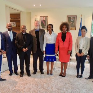 El Nuncio Apostólico en Bruselas bendice la marca ecuatoguineana 'Dicanno'