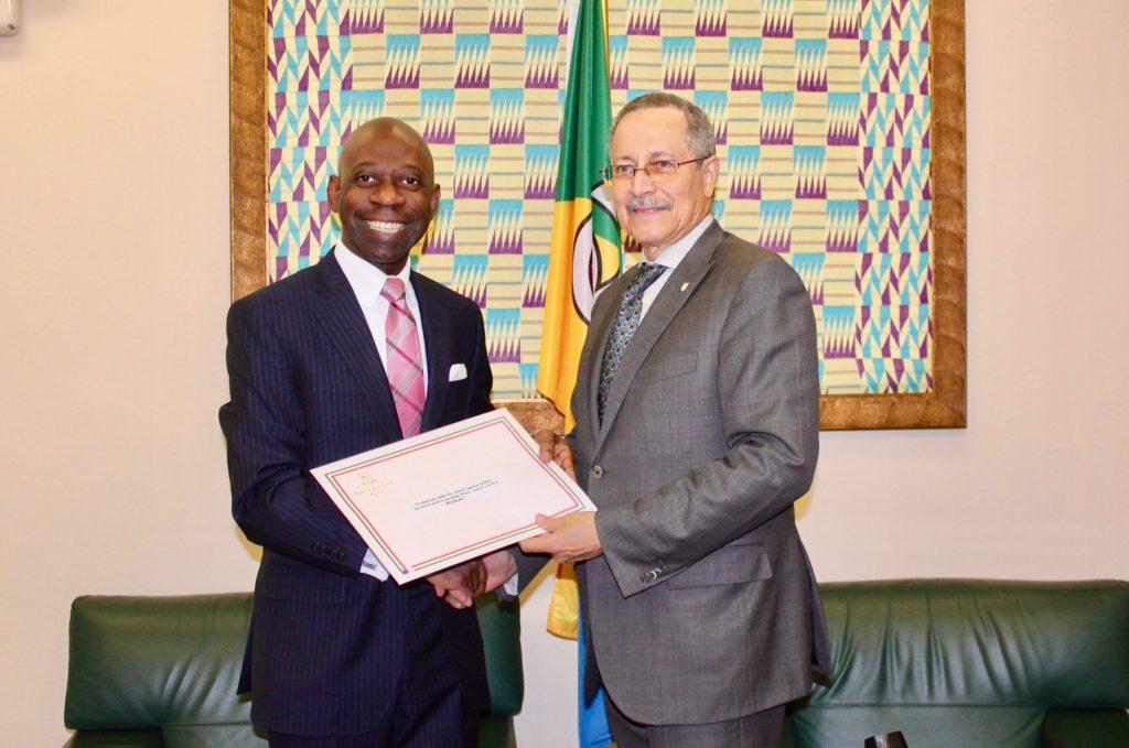 El Embajador en Bruselas transmite al Grupo ACP un mensaje del Presidente Obiang