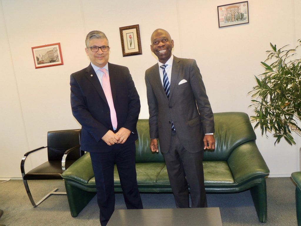 El Embajador en Bruselas, recibido en la Corte Penal Internacional y en la OPAQ