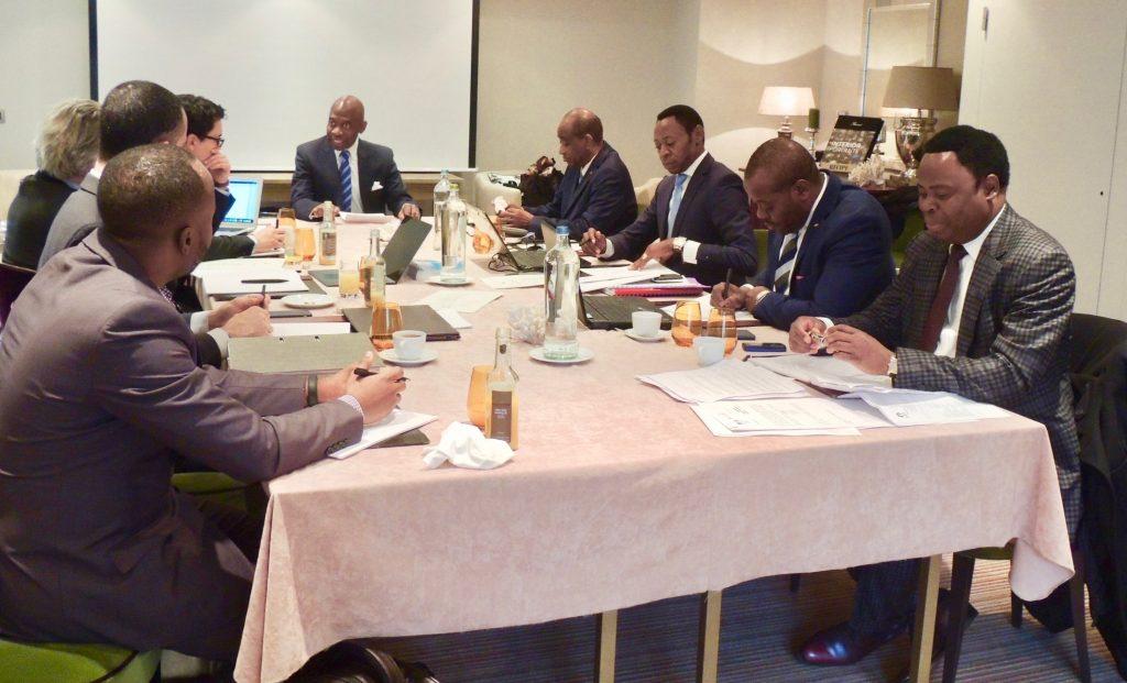 El Embajador preside los trabajos del equipo jurídico de Guinea Ecuatorial para el Tribunal de La Haya