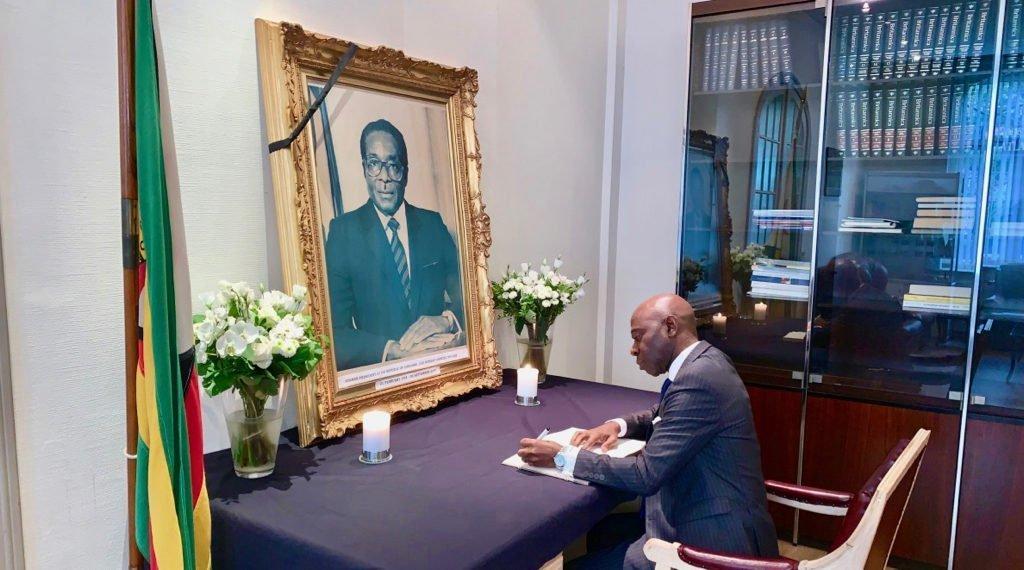 Nvono-Ncá fait ses adieux à Robert Mugabe