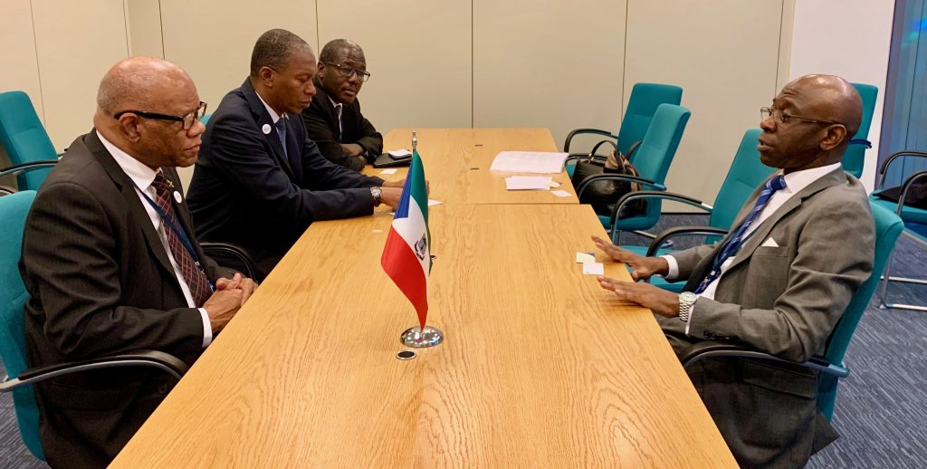 Nvono-Ncá meets a large Jamaican government delegation in London
