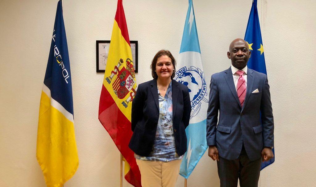 El Embajador Nvono-Ncá se reúne con la coordinadora de INTERPOL y EUROPOL en España